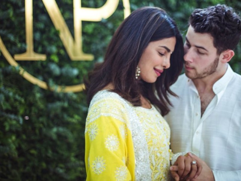 Priyanka Chopra & Nick Jonas Officially Announced Their Relationship With These Super Romantic Posts