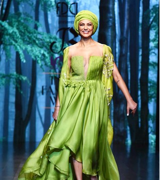 This Video Of Sushmita Sen On The Runway Proves That She Is Magical