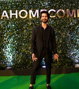 The Leading Men of the Green Carpet at IIFA 2019