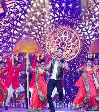 Aayush Sharma's Debut Performance at The IIFA Awards 2019